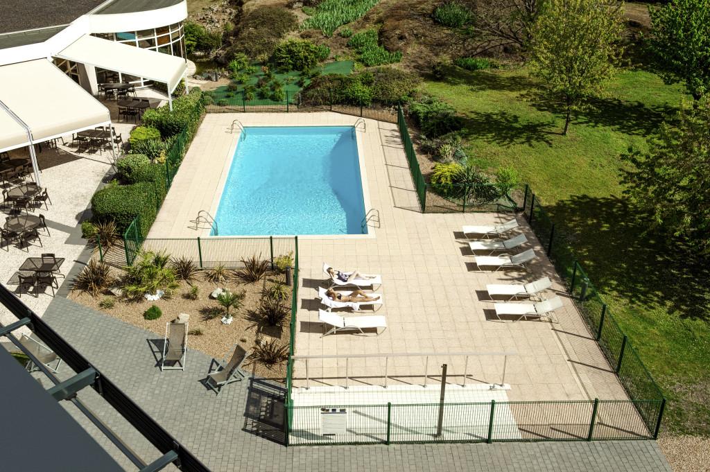 HÔTEL NOVOTEL CLERMONT FERRAND piscine