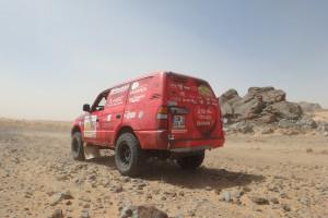 Rallye des gazelles 2017 - 4X4 devant rocher -2